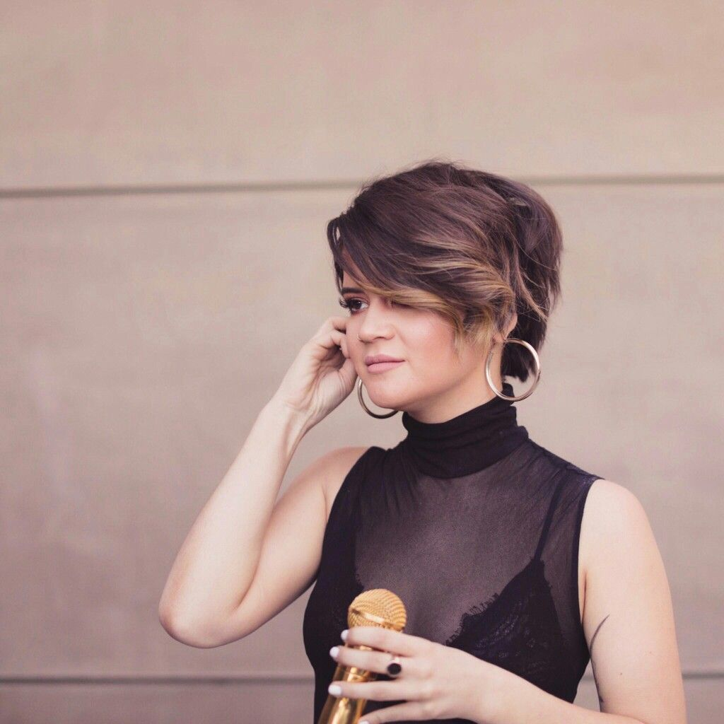 Maren Morris I Could Never Pull Off This Short Of Hair But It S Super Cute On Her Hair Icon Short Hair Styles Hair Game