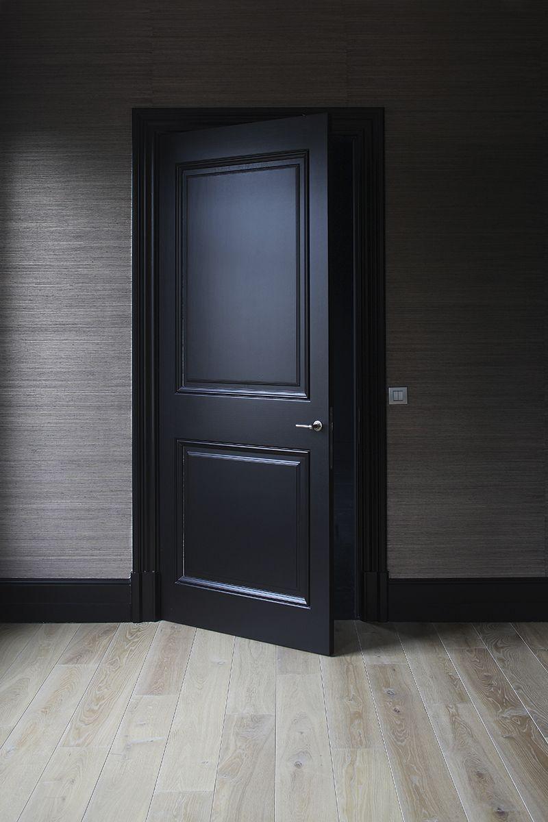 Porte à panneaux en noir   deco en 2019   Portes intérieures ...