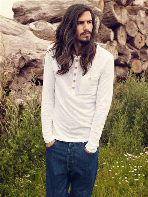 Resultado de imagem para men with long hair