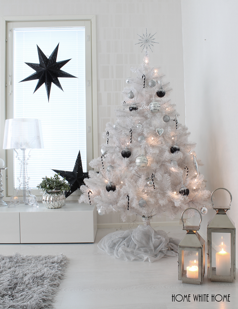 White Christmas Tree | My home - HomeWhiteHome | Pinterest ...