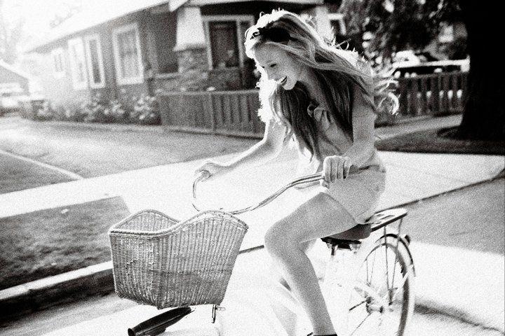 Show Me a Bike: Black'n'White Wheels