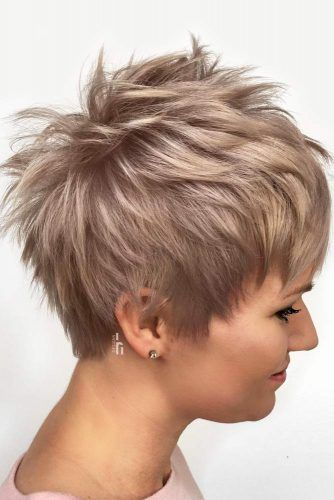 45 Timeless Feathered Hair Ideas To Look Fresh And