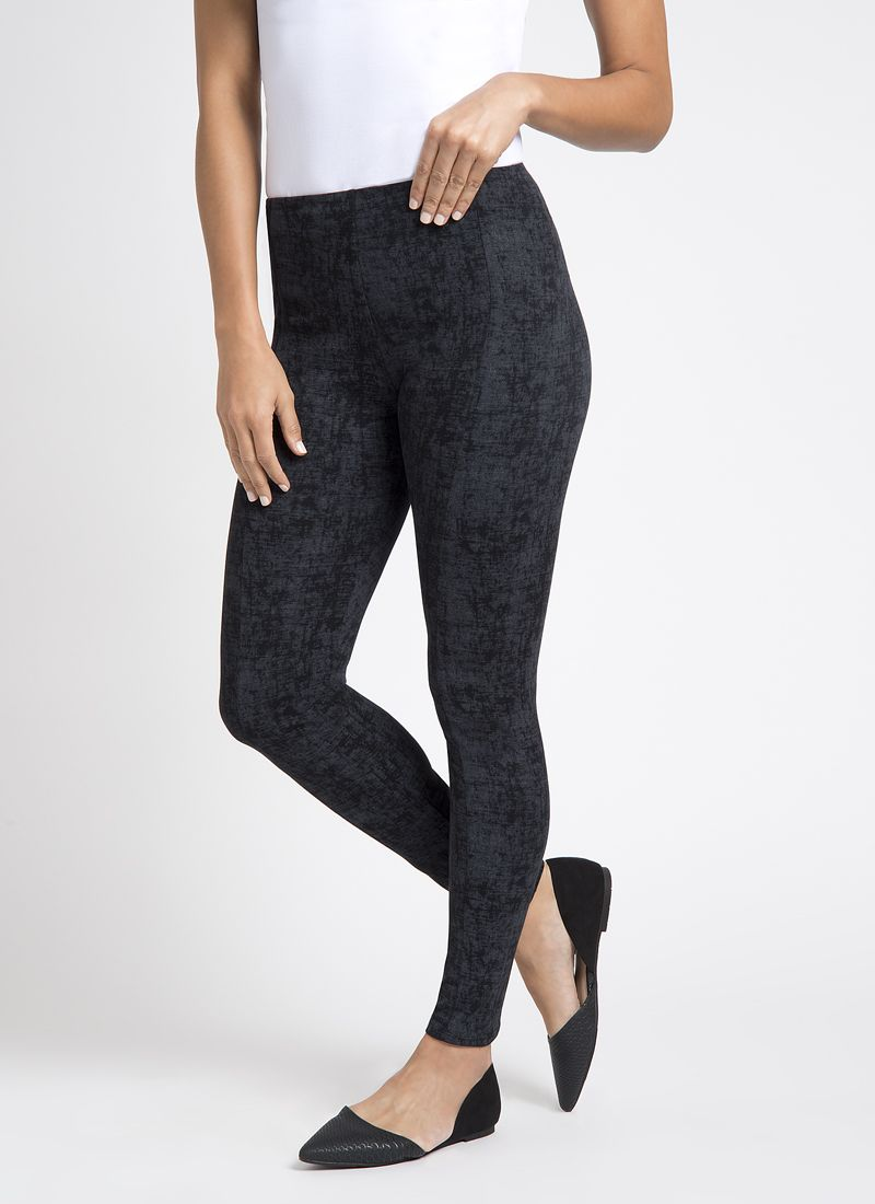 Fresh, sophisticated styling for your wardrobe. FIT: Full-length legging designed with the LysséFit signature hi-waist and soft stretch lining for the right amount of control and fit. Features a flattering center seam, front detail. FABRIC: We took our best-selling, custom ponte fabric and lightened it up. This cooling and breathable lightweight ponte is ideal for warmer weather. Just like its sister fabric, it features a soft hand, extreme comfort, and holds its shape with no bagging or…
