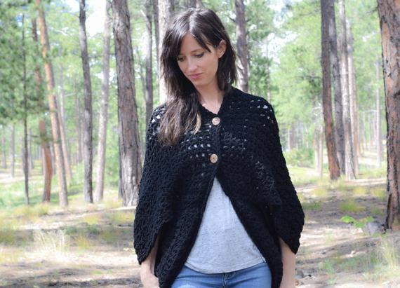 Crocheted Cacoon Pattern, Women's Crochet Poncho, Black Crochet Shrug Pattern, Easy Shrug, Easy Crochet Sweater Pattern, Chunky Crochet #blanketsweater