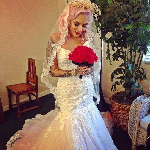 Lora Arellano S Photo On Instagram Wedding Dresses Wedding Dresses Sweetheart Neckline Wedding Dress Necklines