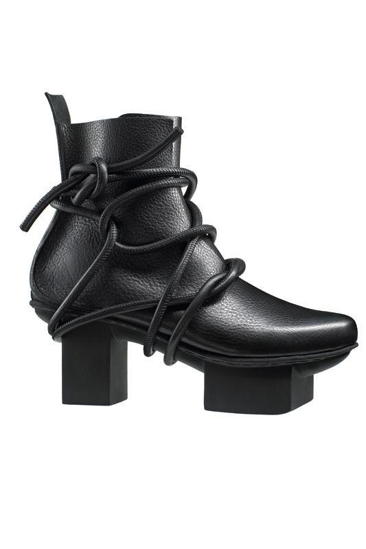 Trippen dream boots black | Trippen schuhe, Schuhe und