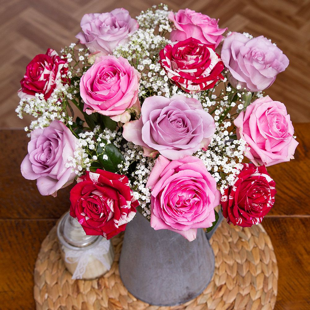 Valentines roses valentines mixed roses bunches flowers send valentines flowers delivered with free uk delivery and free chocolates send fresh roses or contemporay flower bouquets this valentines day izmirmasajfo Gallery