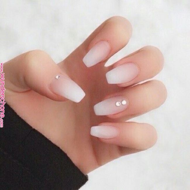 35 Look Types Acrylic Nails Designs For Teens Makeup And Beauty Nail Designs Best Nail Art Designs Rhinestone Nails Beauty Nails Design Light Pink Nails