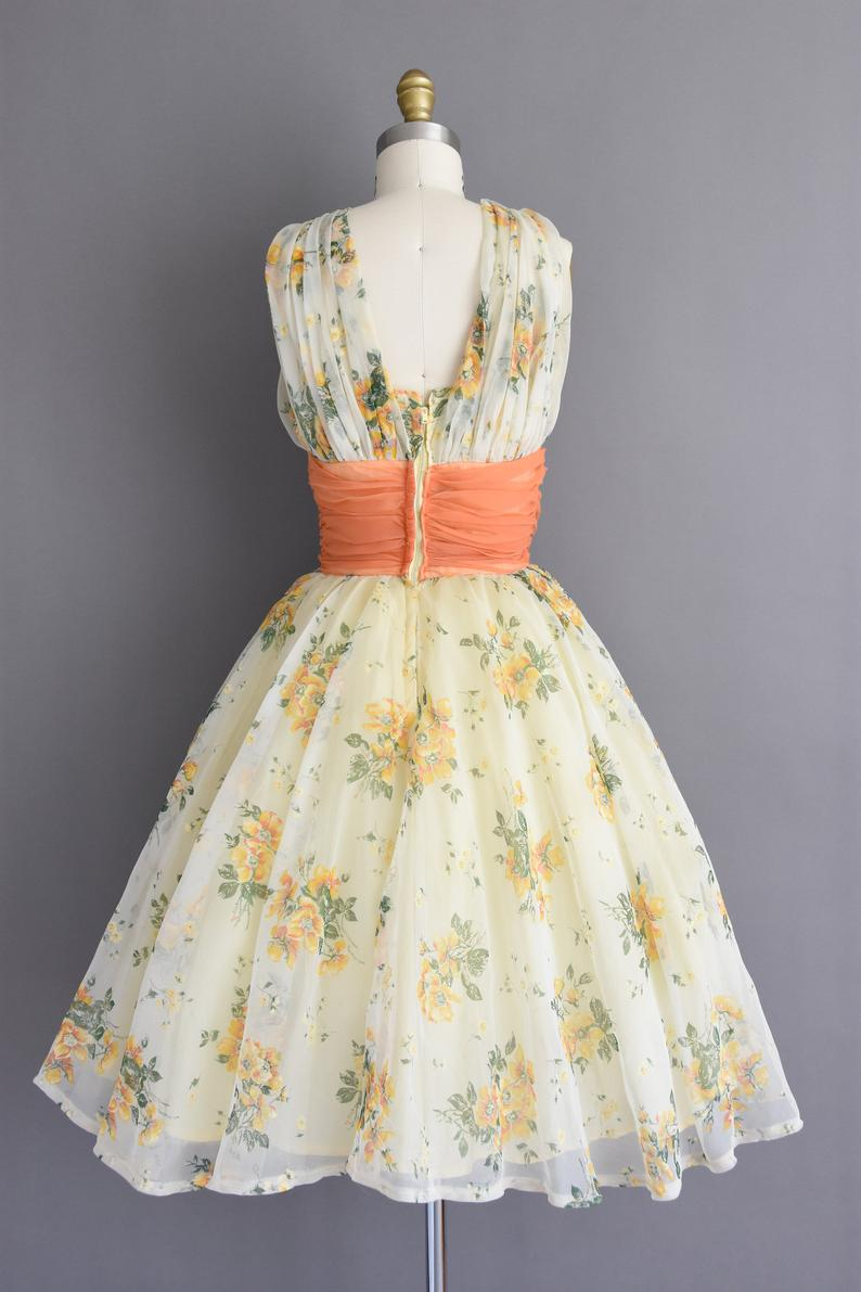 1950s Vintage Dress Size Small Gorgeous Layered Chiffon Floral Print Cupcake Party Prom Full Skirt Wedding Dress 50s Dress In 2020 Vintage Dresses Vintage Dresses Online Dresses [ 1191 x 794 Pixel ]