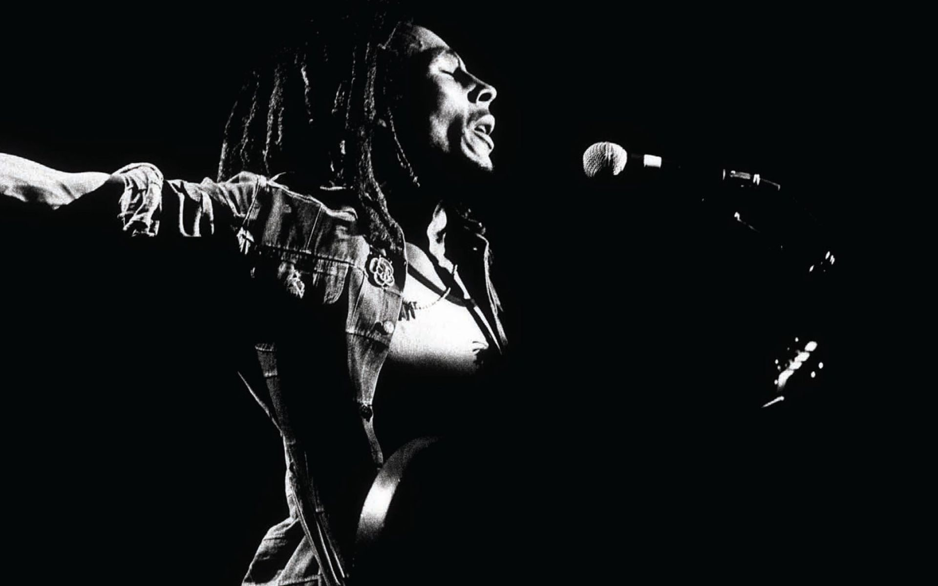 Bob Marley Live Performs Photo Black And White HD Wallpapers 1680x1050px Desktop Free