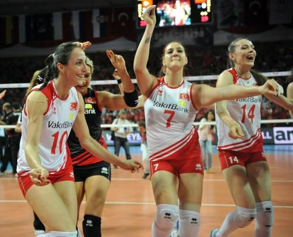 Turkish Womens Volleyball Team Qualifies For London2012 After A 3 0 Victory Over Poland Women Volleyball Volleyball Team London Olympic Games
