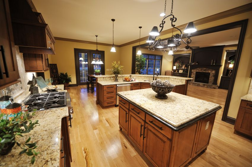 Best 52 Enticing Kitchens With Light And Honey Wood Floors 400 x 300