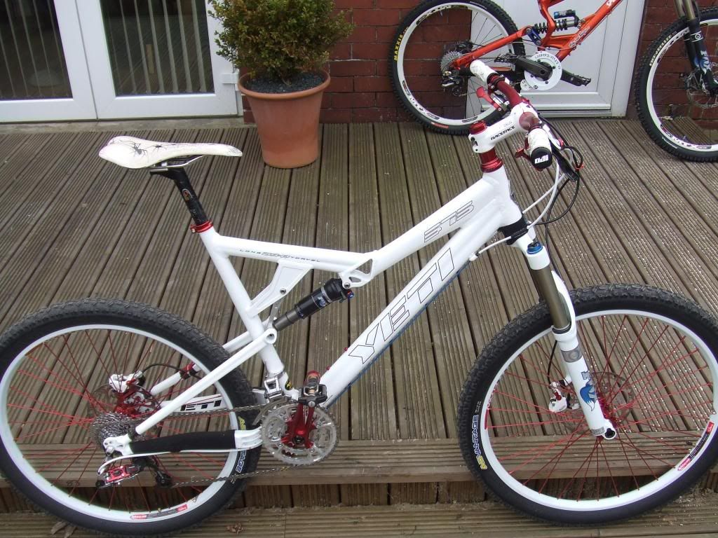 White and Red Yeti 575 | Bicycles | Pinterest