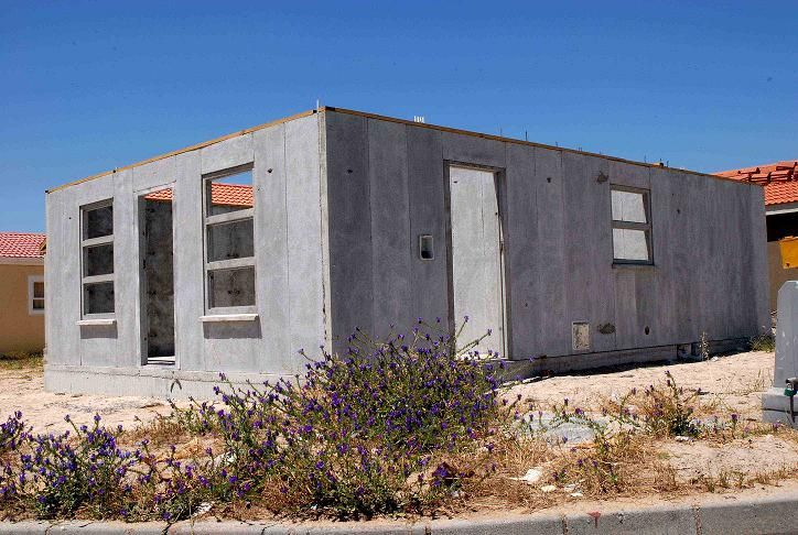 Pin By Carrie Morgan On House Concrete Architecture Concrete Houses Concrete Sheds