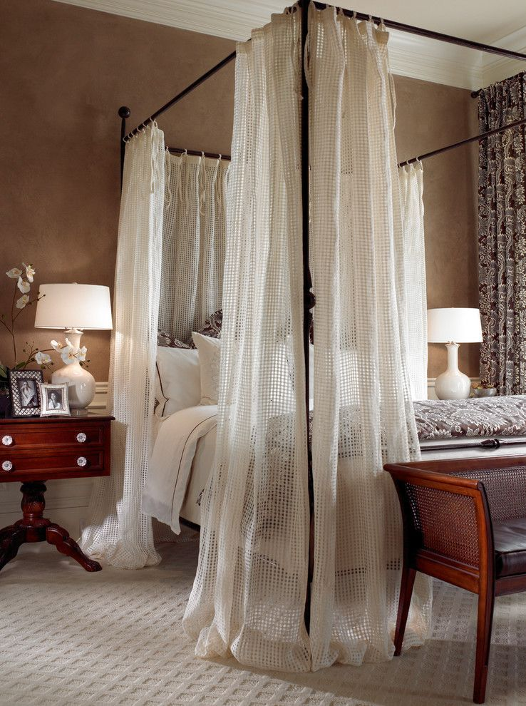 Black And White Trellis Curtains Bedroom With Four Poster