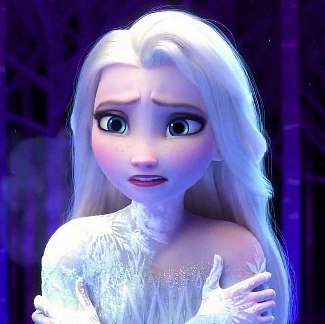 Queen Elsa On Instagram Beautiful Photo Of Elsa Credit Elsa Of Airendelle Cl In 2020 Disney Princess Frozen Frozen Disney Movie Disney Princess Pictures