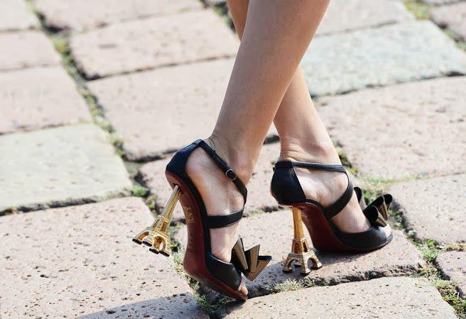 STREET STYLE   PARIS FASHION WEEK-the ironic shoes