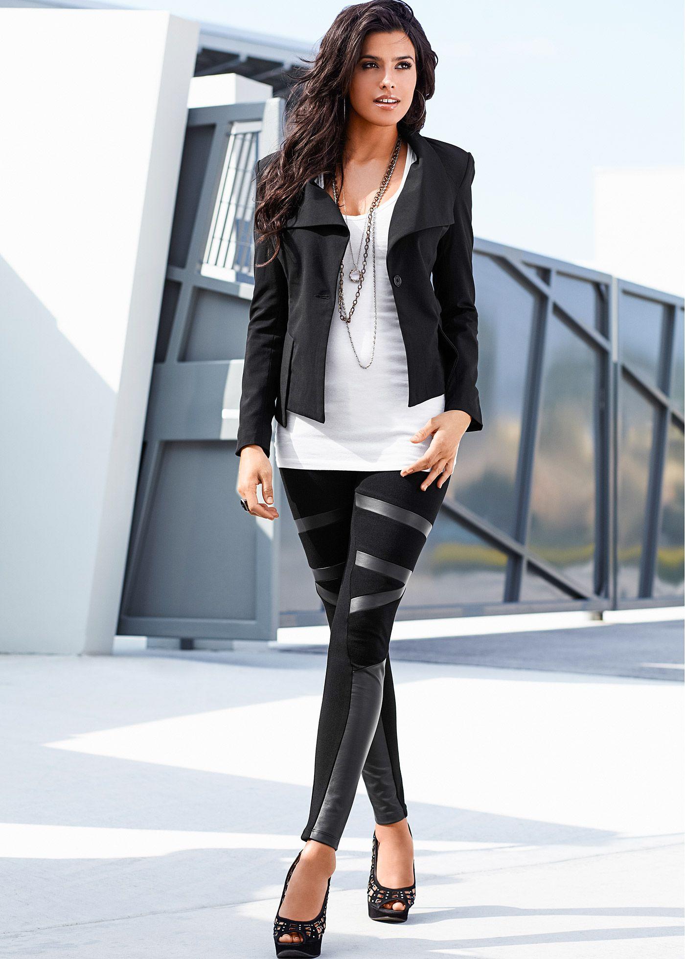 a2f1a0201 Calça legging com recorte em couro preto encomendar agora na loja on-line  bonprix.de R$ 79,90 a partir de Elas são sucesso absoluto na Europa, e  chegaram .