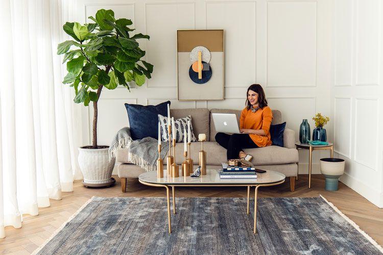 للزوجين الحديثين هكذا تصممان ديكورات القفص الذهبي يدا بيد نصائح من مصممة الديكور نسرين اللبابيدي مغربي Ae World Arabia Home Decor Home Furniture