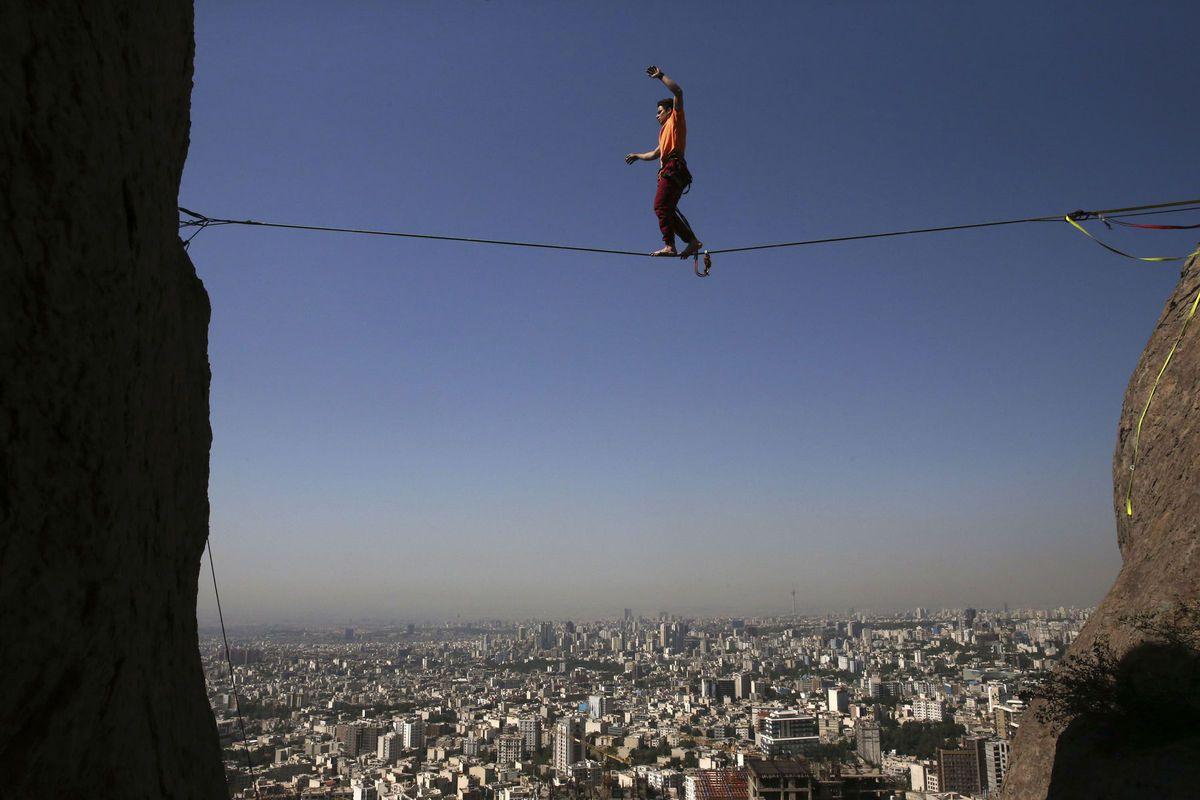 Teherán, skala, povrazolezec