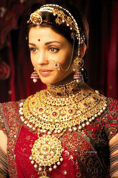 Aishwarya Rai Bachan Indian Bridal Indian Bride Bridal Jewellery Indian