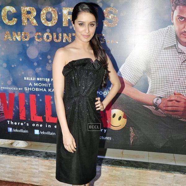 Shraddha Kapoor in black dress at Ek Villain Success