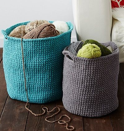 Free Pattern - Stash Basket, de Bernat Design Studio. http://www.ravelry.com/patterns/library/stash-basket-5