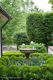 This Modern Country Garden, which belongs to Loi Thai of Tone On Tone Antiques over in America, is the kind of place in which you while awa...