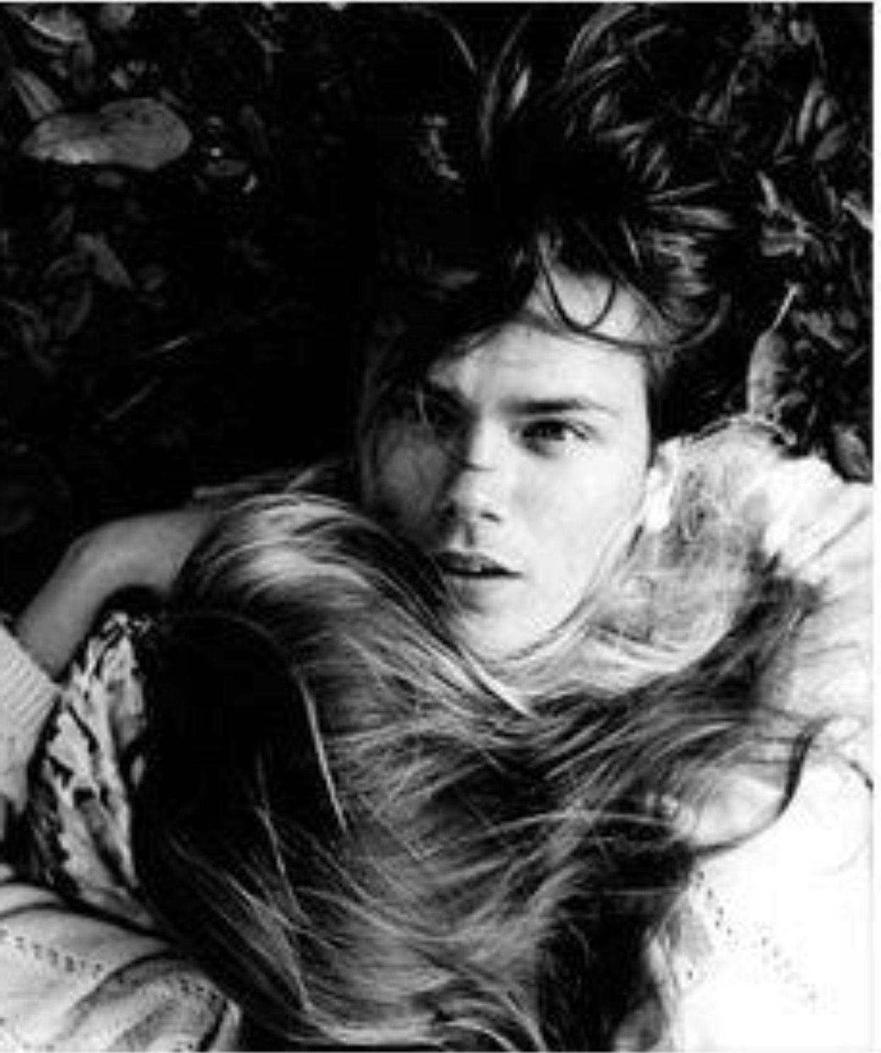 River Photo Shoot Ideas: River Phoenix And Susanne Solgot Were So Cute Together