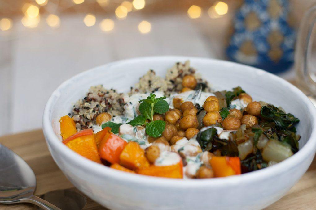 Herbst-Winter-Buddha-Bowl - veganes, glutenfreies Rezept - 20 Min.
