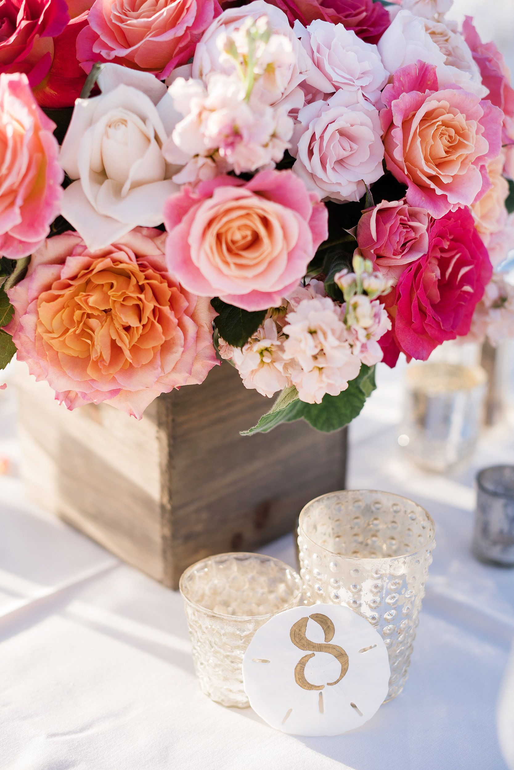 Bright and beautiful wedding table decorations - L'Auberge Del Mar