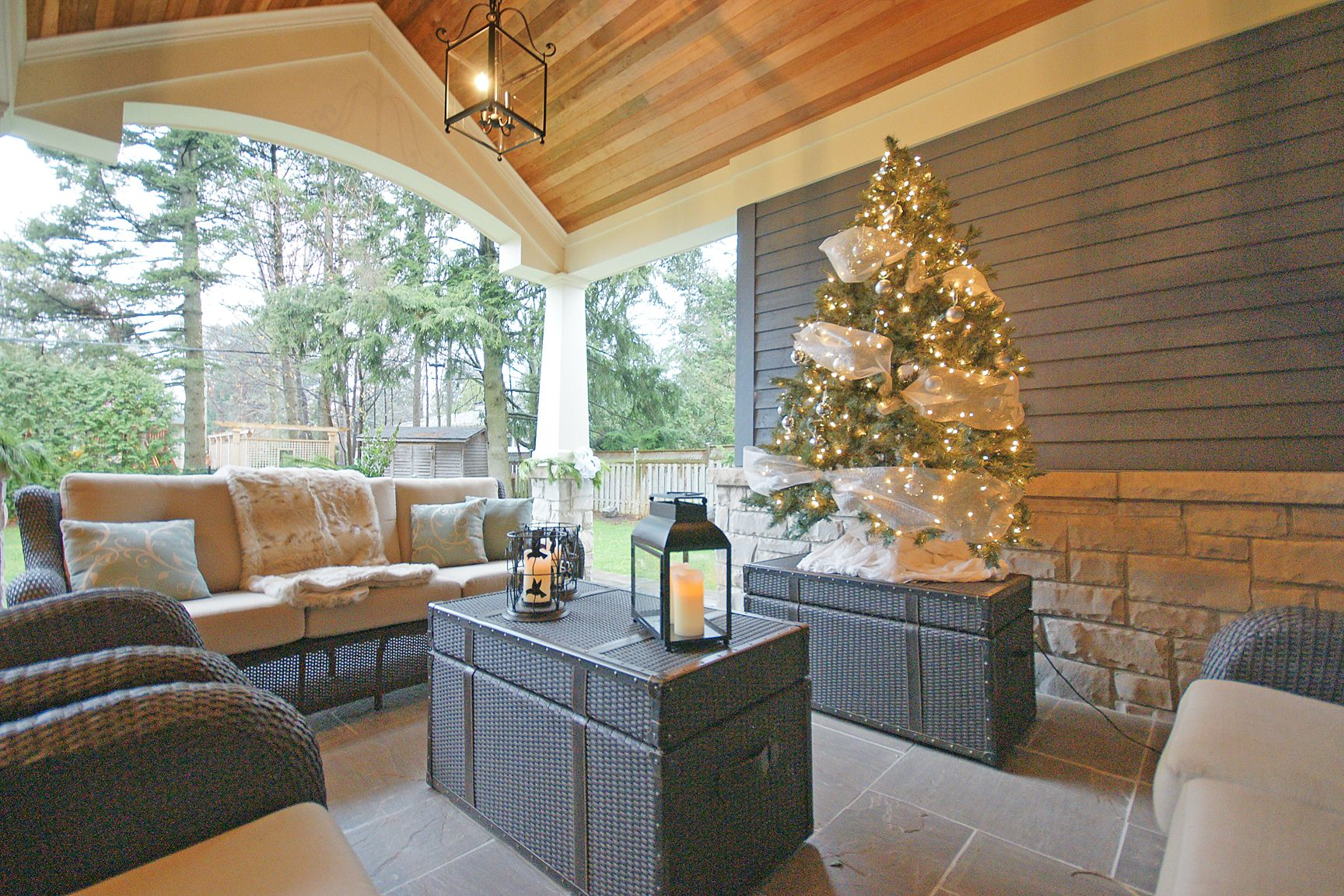Exterior - Covered Sitting Area - 2011 Oakville Christmas House Tour ...