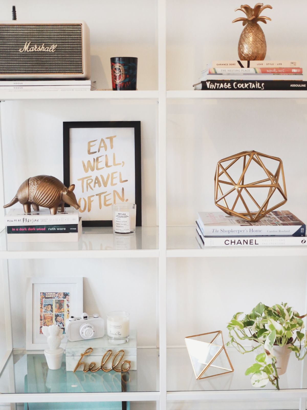 Sunday usually means an interiors post from me, and so I had to introduce my sexy new shelves to you all. We had a blank space (baby) behind the sofa, and we decided on some simple white shelves to fi