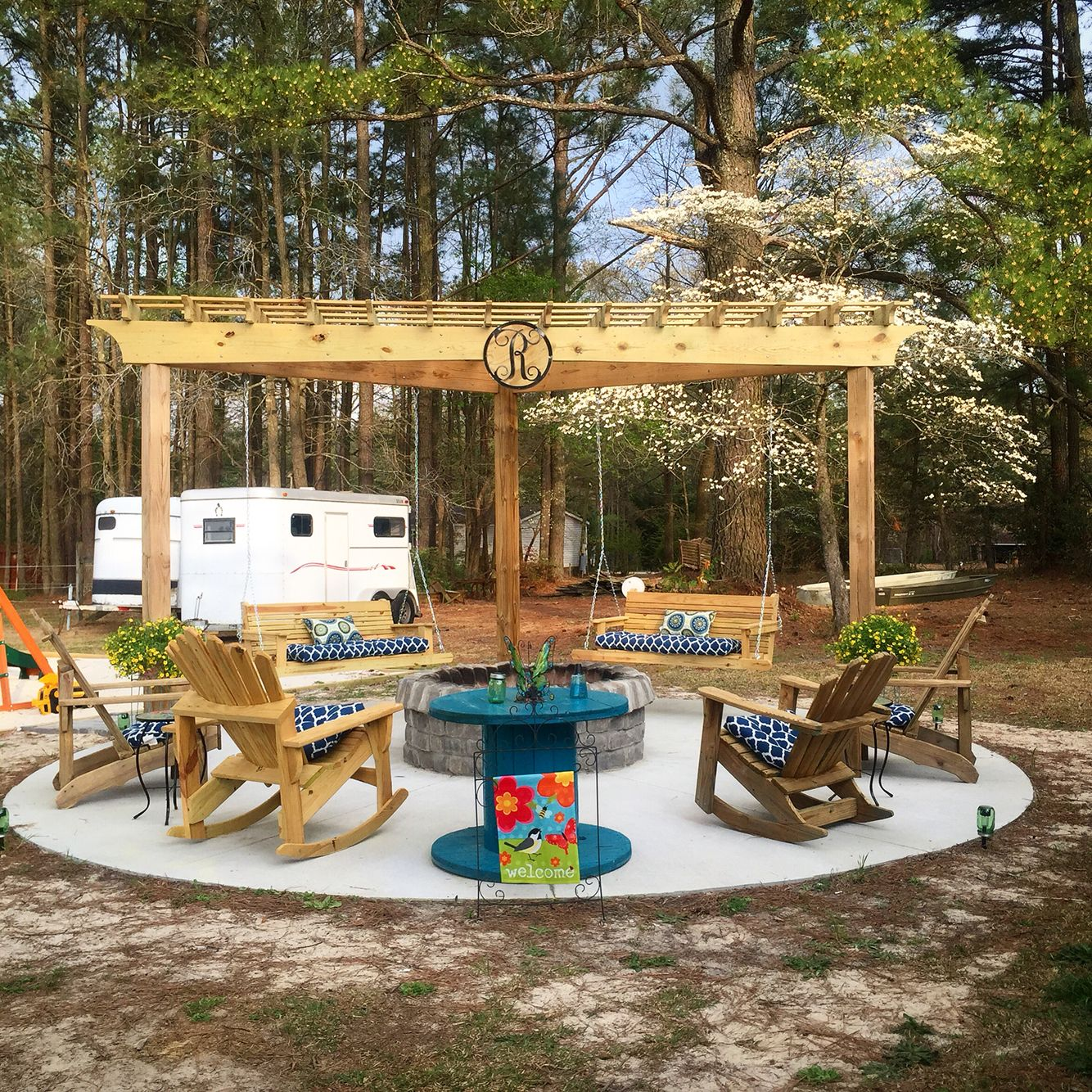Outside fire pit with swings | Home | Pinterest | Swings ...