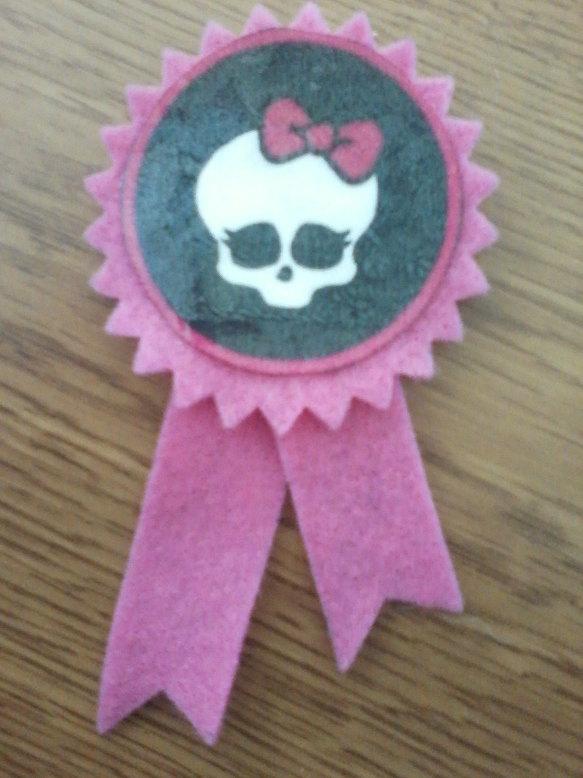 Monster High prize ribbon- made with Sizzix Big Shot.