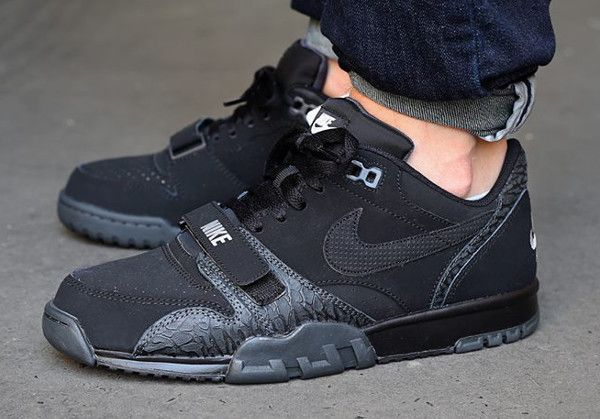 Nike Air Trainer 1 Low ST Black Elephant 1 | Chaussure, Jour j