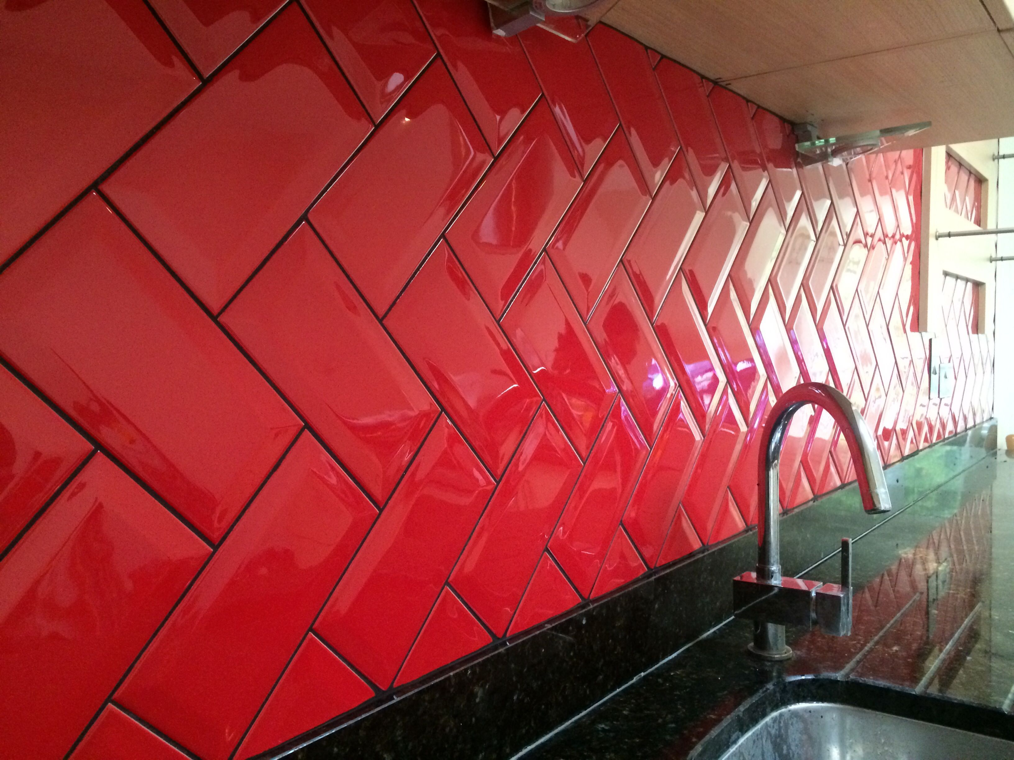 Red Kitchen Tile Design Ideas ~ Kitchen metro tiles design ideas modular kitchen in red colour