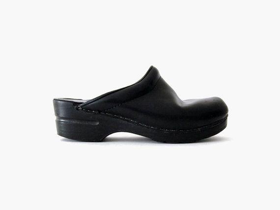1a5e7afc217b9 Dansko Minimalist Leather Clogs / Black Open Back Shoes    Vintage c ...