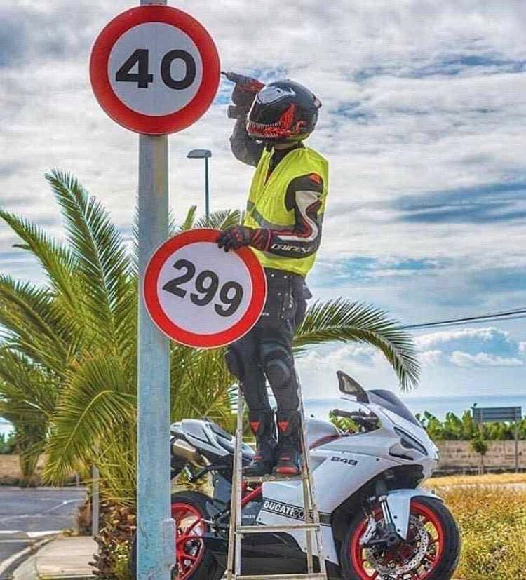 Fun Witzig Humor Lustig Lachen Spass Lustigebilder Lustigespruche Witzi Fun Witzig Humor Lustig Lache Biker Zitate Auto Witze Humorvolle Bilder