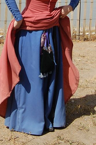 Cotehardie at Faire 1 | sash worn over the blue dress to hang pouch from. I assume there's a slit or something to permit the wearer to reach in and get her money?