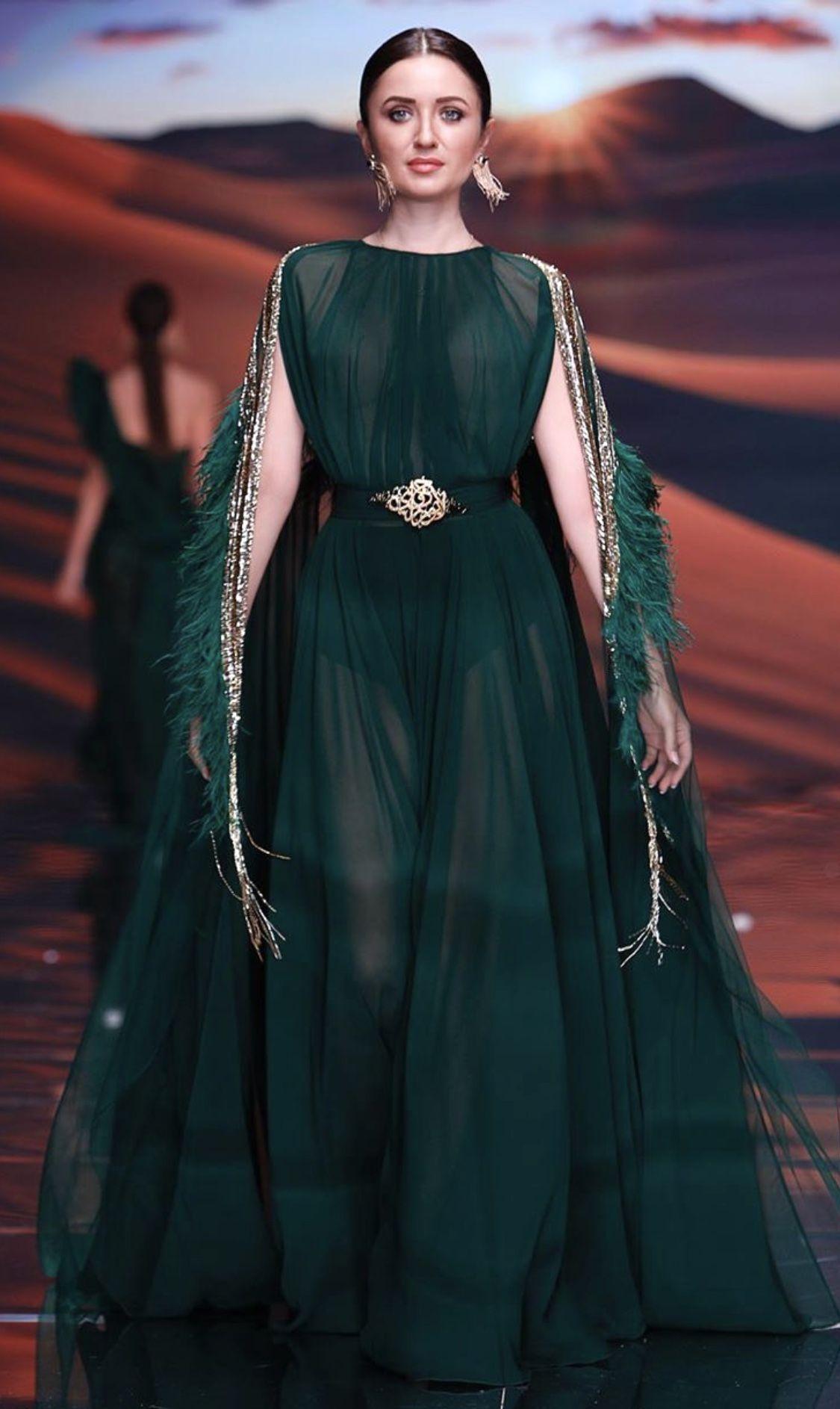 Epingle Par Smaali Siham Sur Dresses Robes En 2020 Haute Couture