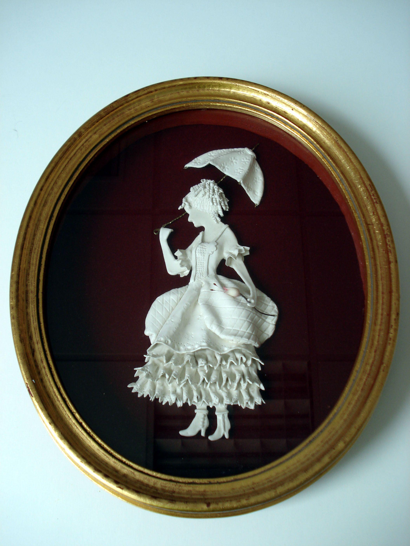 Damisela victoriana modelada con pasta DAS. Marco decorado con pan ...