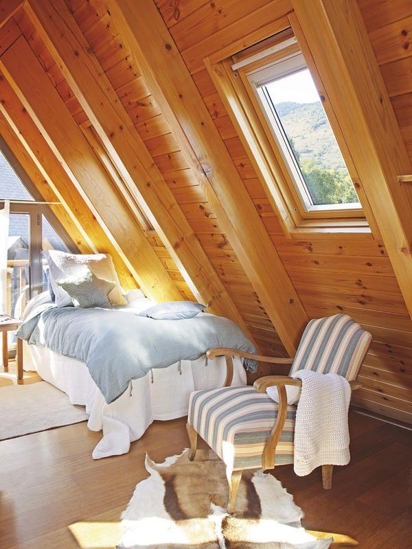 Espacios de altura c mo decorar la buhardilla en 2019 for Revistas decoracion dormitorios