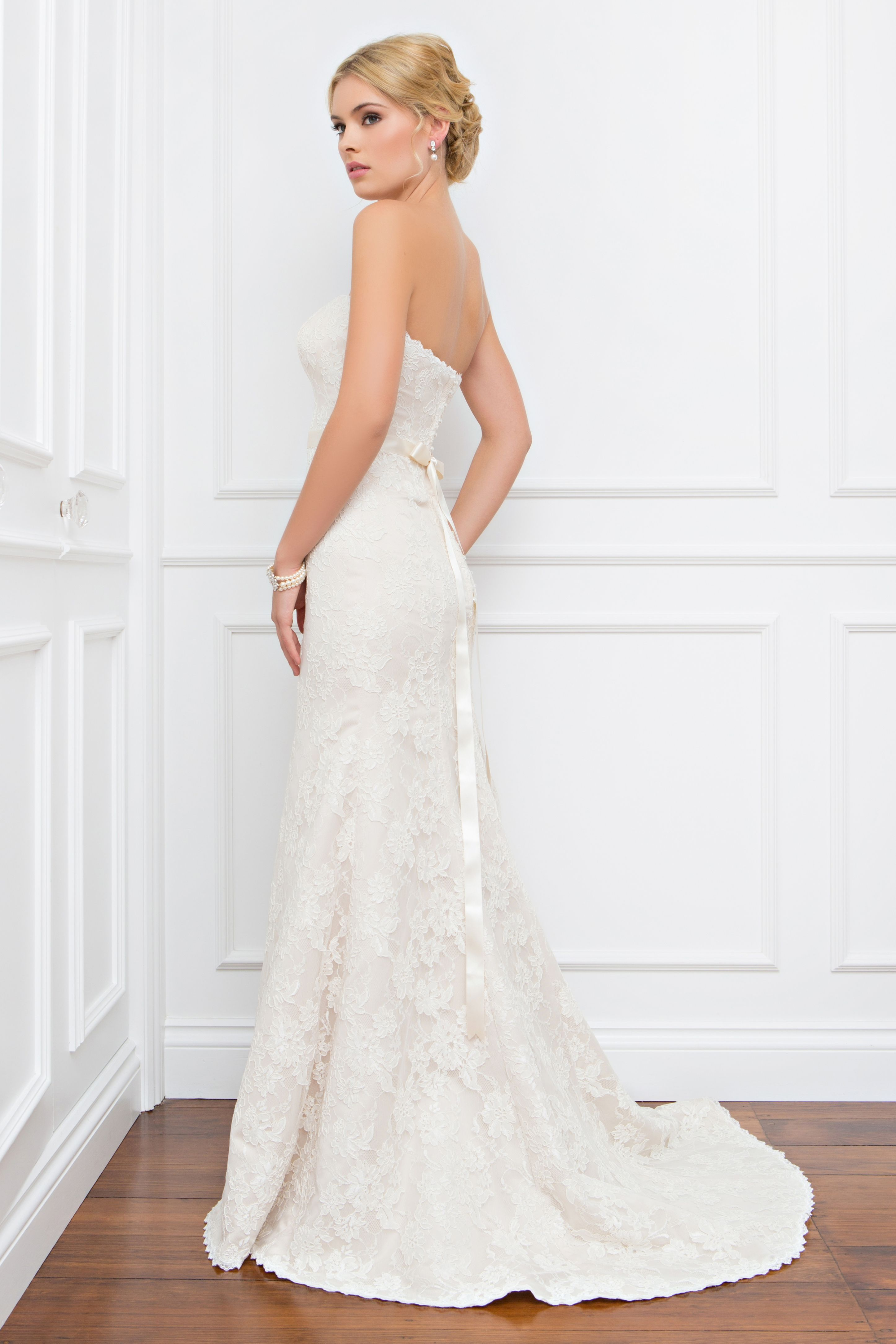 Ellie // Wendy Makin Bridal Designs // Ready to Wear