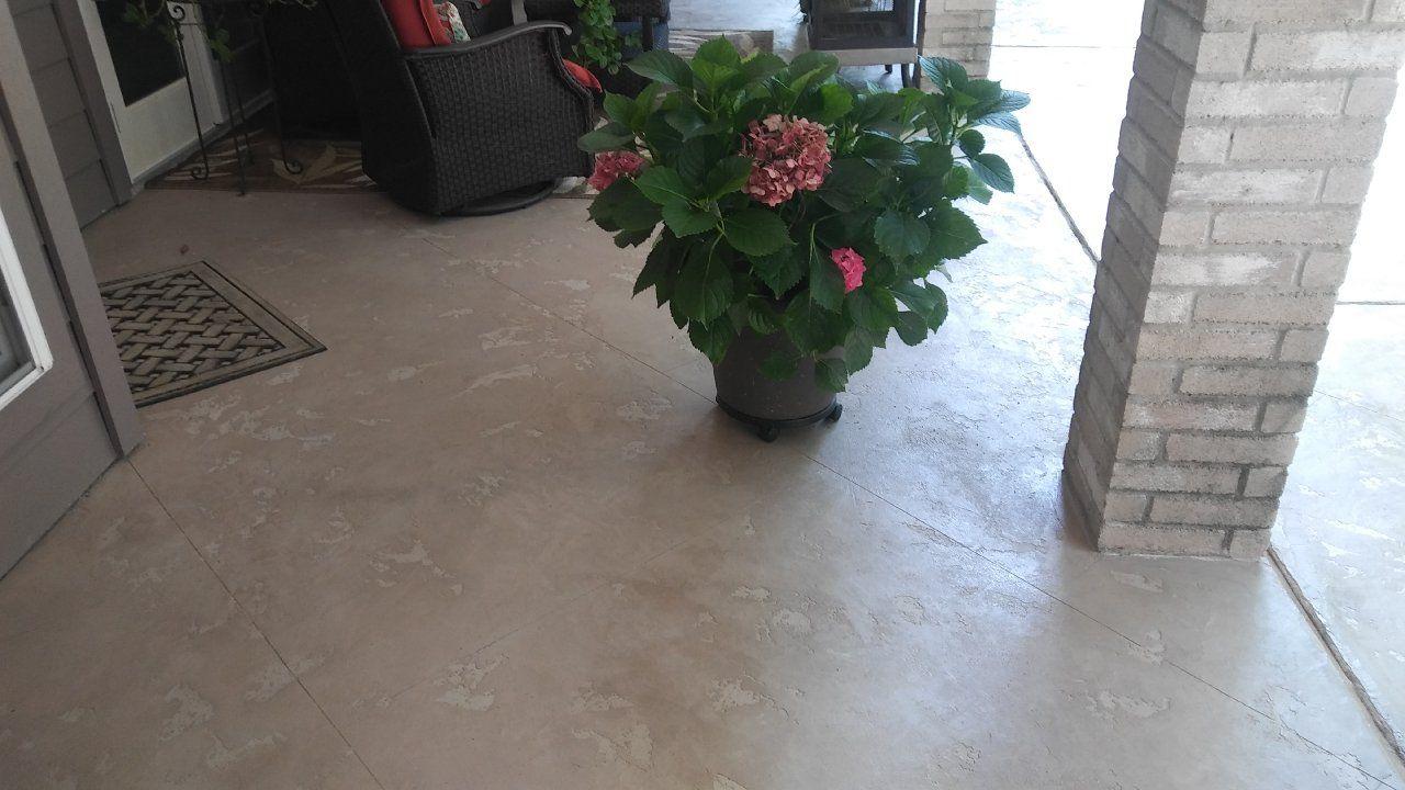 Simple And Elegant Concrete Overlay Looks Like Travertine Tiles In Tomball Texas Elegant Tiles Concrete Decor Interor Design