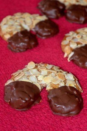 Mandelhörnchen sind super einfach gemacht! Wie? - verrate ich euch auf Sarahsbackblog,de! #almond #mandel
