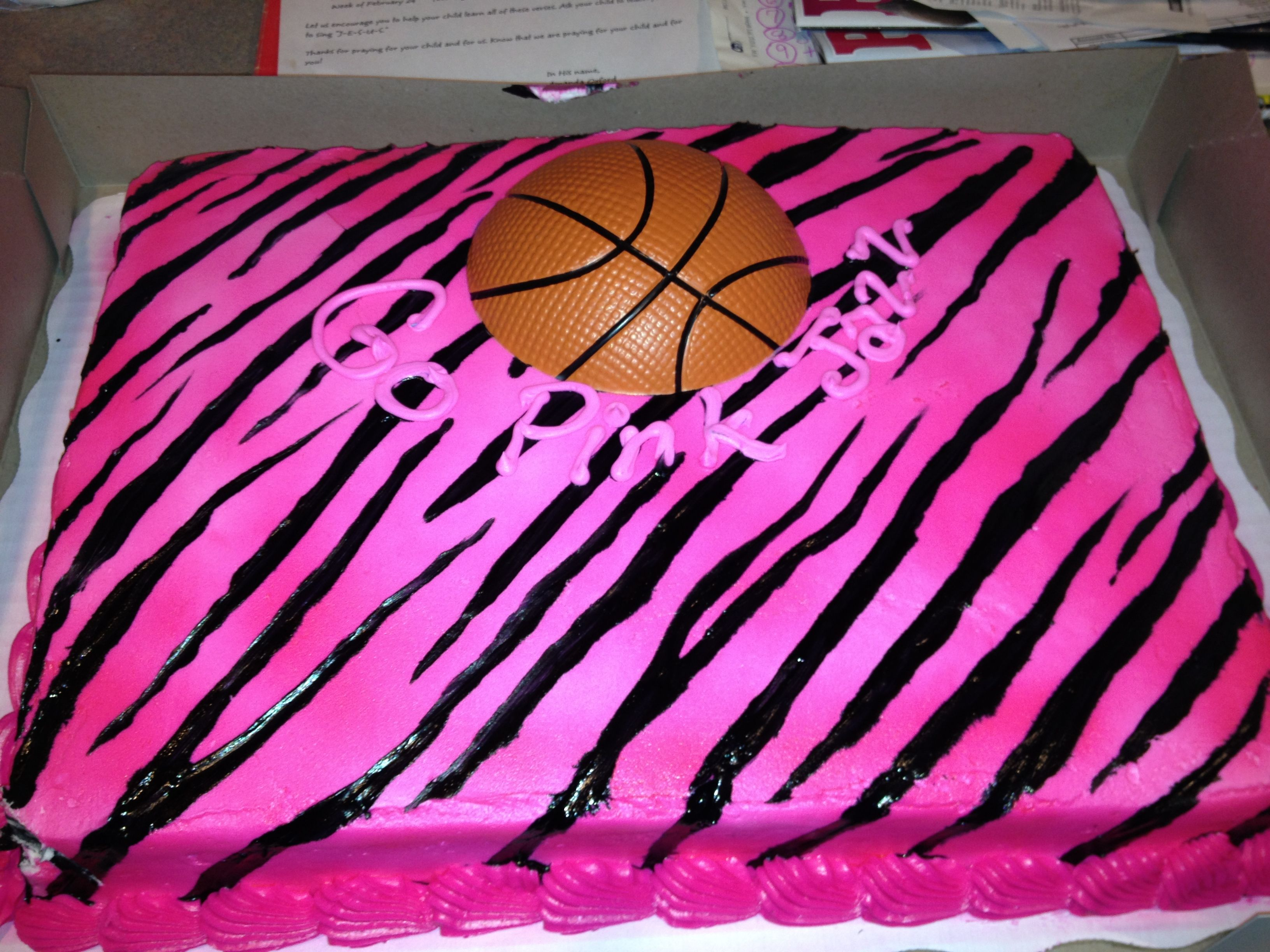 Cool basketball cake Cakes and Birthday ideas Pinterest