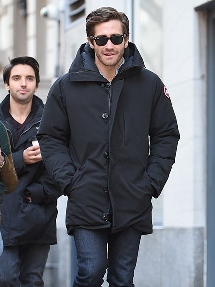 Flaunting classic black wayfarer sunnies, Jake Gyllenhaal was spotted in the Big Apple under a warm winter coat!