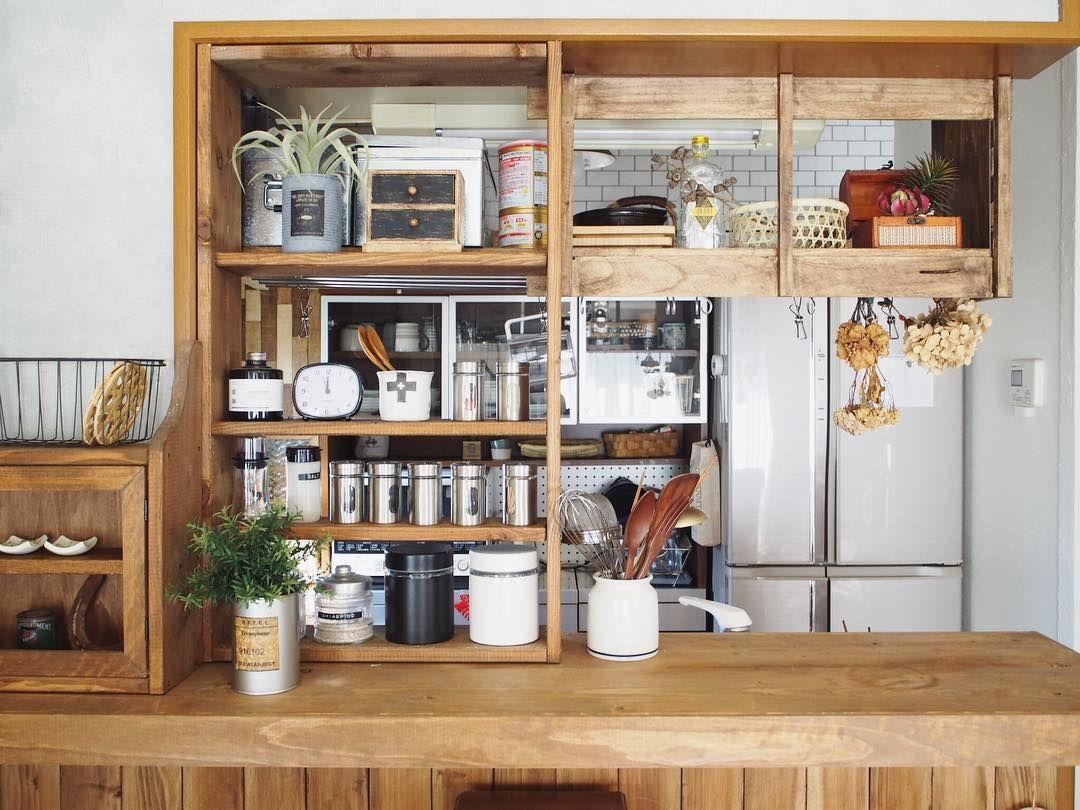 憧れのキッチンカウンターをdiyしよう 今のキッチンに満足していない方必見 Folk 農家の台所のインテリア キッチンの装飾 キッチン フロア