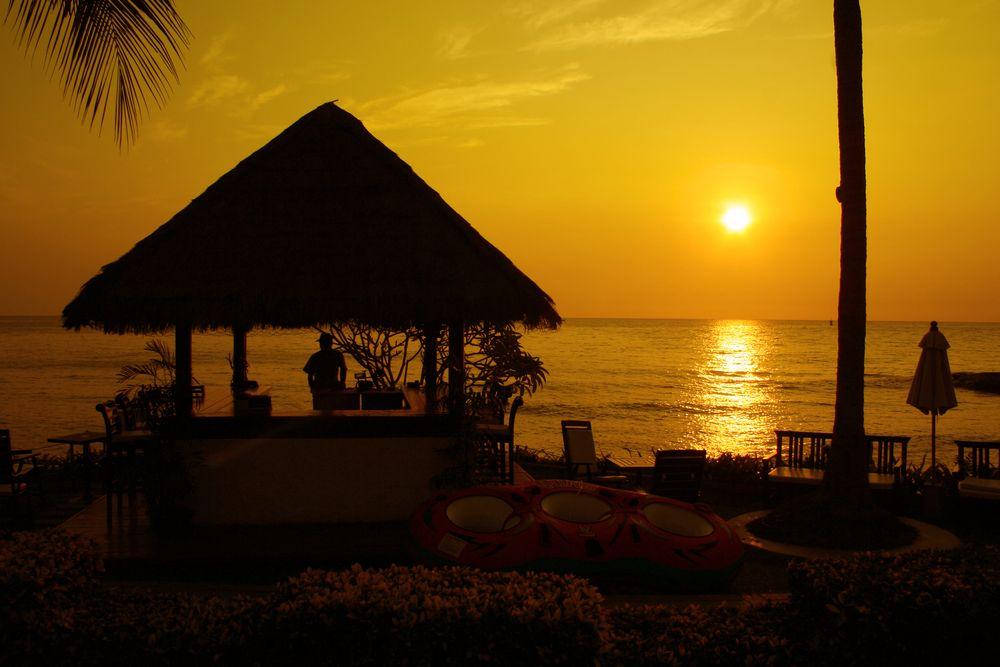 Tayland'ın ünlü plaj resortlarının bulunduğu kıyı kenti Hua Hin'de gün batımı
